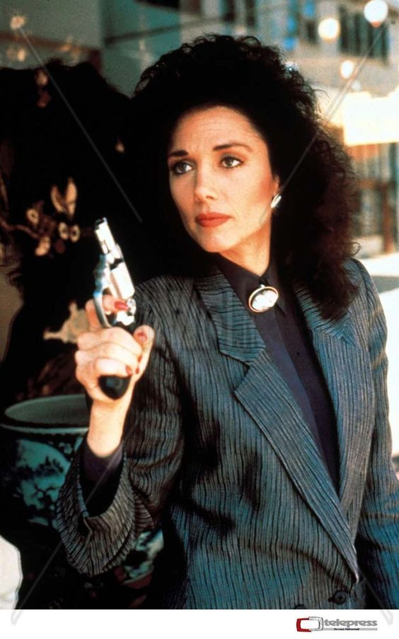 Actress/singer/writer Stepfanie Kramer turns 58 today. She was born 8-6 in 1956. She is best known by most for her role as detective Sgt. Dee Dee McCall on 80s TV series Hunter.