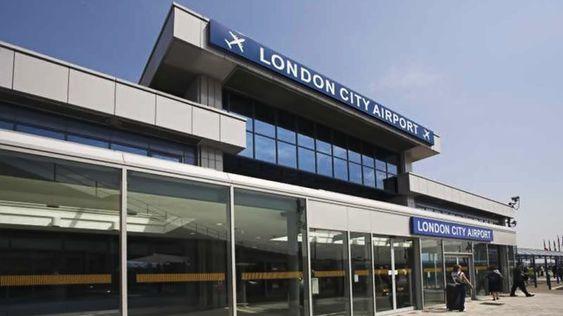 Comment se rendre de l'aéroport de London City à Londres ? Guide pour bien choisir son transfert : taxi, mini-cab, bus et métro
