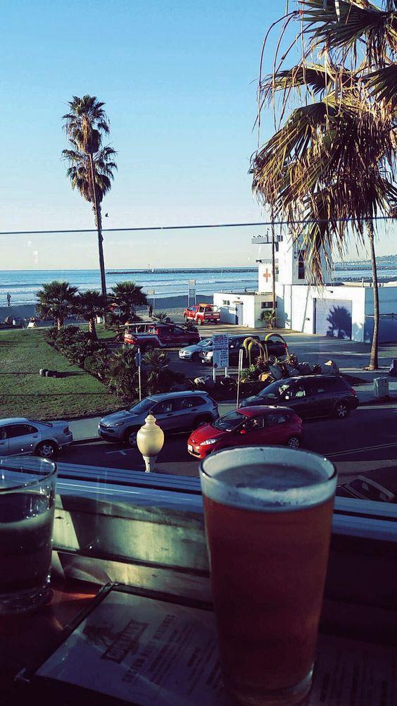 f2baeb6d0657f919d269c070a5396ea8 - The Trendiest Bars In San Diego