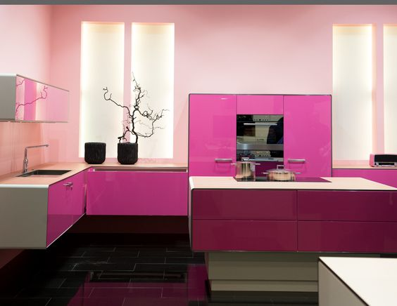 Pink modern kitchen http  www thekitchendesigner org  Contemporary