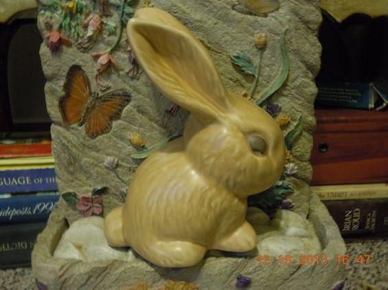 Sylvac vintage collectible rabbit bunny. Large 7 #1026, England 1960s. Perfect condition, brown tan.