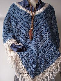 Een lekkere warme poncho, gehaakt met Stone washed garen van Scheepjes Ik gebruikte geen patroon, haakte gewoon maar wat aan;)