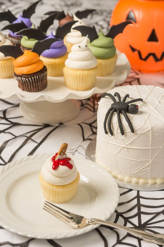 SWEET Cupcakes, Boston - Halloween Table with Spooky cupcakes and cake!