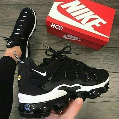 Nike Vapormax Plus Tn Black White Like Follow If You Want A Pair Che Airmax720 Airmax87 Airmax97 Black Nike Shoes Kicks Shoes Nike Air Shoes