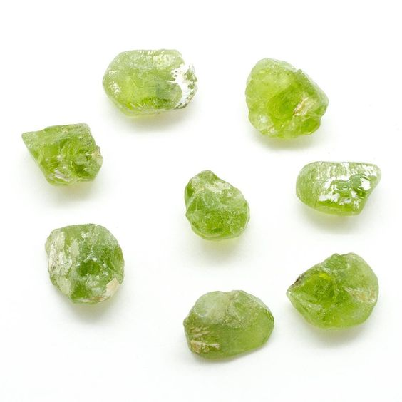 """Peridot - 5 """"money magnet"""" healing crystals that attract abundance and wealth - OurMindfulLife.com"""