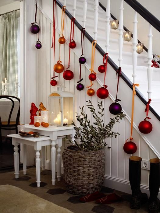 20+ Great Ways To Decorate Your Home With Christmas Ornaments - christmas fireplace decor