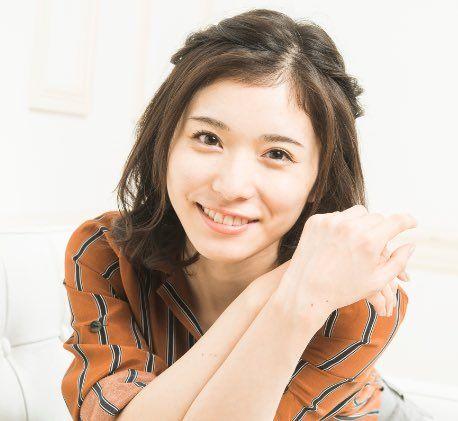 にっこり笑顔の松岡茉優