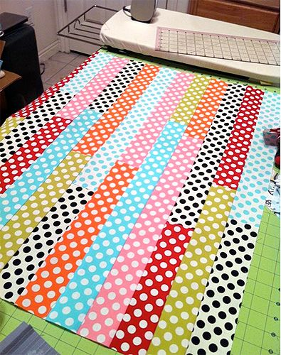 Spotty baby quilt
