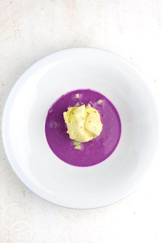 """Heston Blumenthals Kochbuch """"Heston Blumenthal at home"""" habe ich ja schon im letzten Jahr über den grünen Klee gelobt und an vielen Ecken und Enden vorgestellt. Heute kommt daraus ein ganz besonderes Highlight, das wirklich für neue geschmackliche Impulse sorgt. """"Senfeis?"""