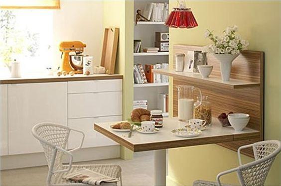Aqui a cozinha é bem planejada e apesar da cozinha ser bem pequena o espaço foi bem usado