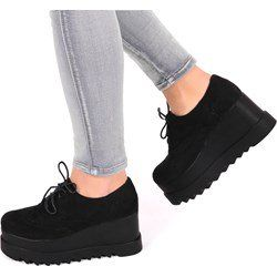 Buty Damskie Na Koturnie Kolekcja Wiosna 2018 Domodi Pl All Black Sneakers Black Sneaker Shoes