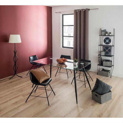 Une Ambiance Contemporaine S Installera Dans Votre Salon Avec Cette Chaise Vintage Tres Tendance Et Chic Son Effet En 2020 Style Loft Chaise Vintage Inspiration Deco