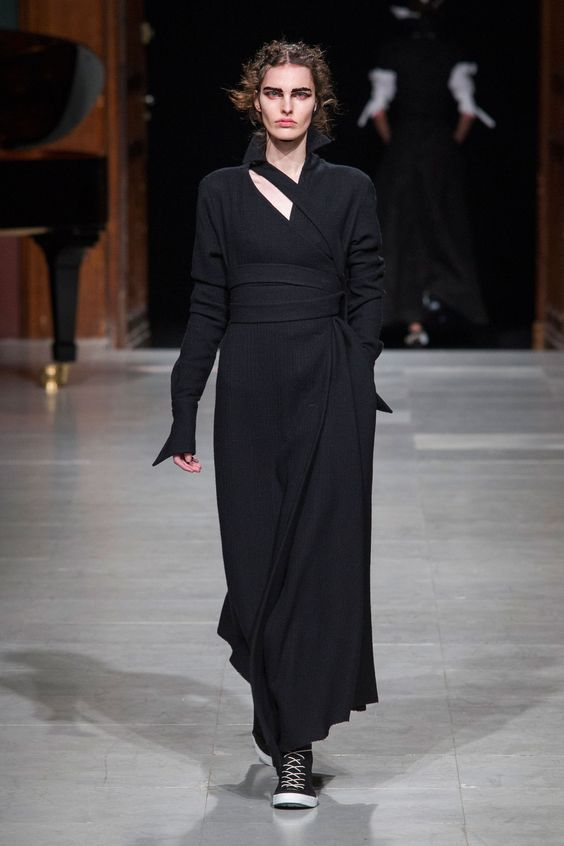 #Aganovich #2016 #Fashion #Show #Fall2016 #pfw #Paris #Fashionweek via @TheCut