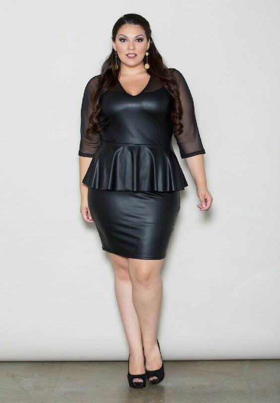 Lady zwart. leadher rok. topje. pumps