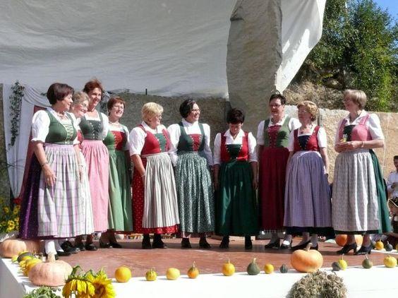 Lembach: Das Notburga-Dirndl ist beliebt bei den Lembacherinnen. (Bild: Reinhard Schilcher)