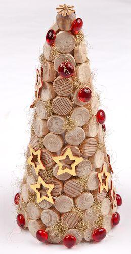 Los árboles de navidad con materiales reciclados