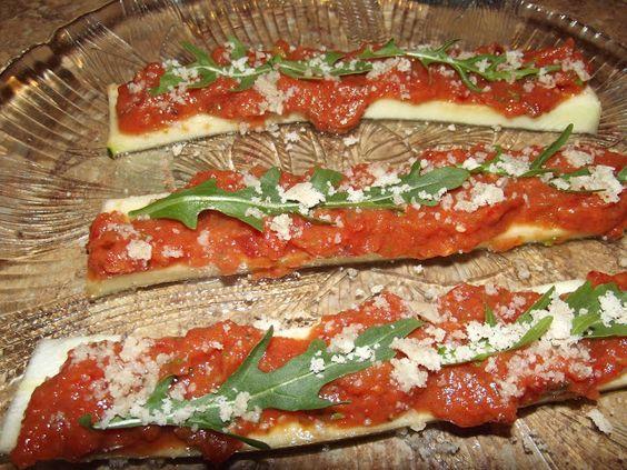 Low Fat Raw Vegan 811: Low Fat Raw Vegan 811 Pizza Bites #fruitarian #diet http://www.thinpedia.com/fruitarian-diet