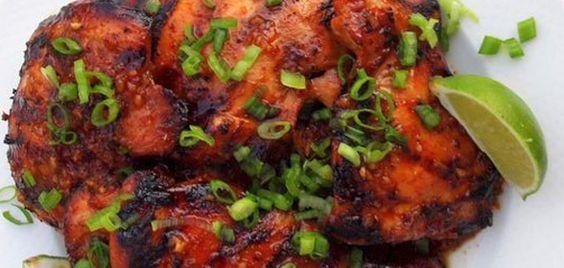 Dit recept voor oosterse kip is een combinatie van aziatische en indische smaken. Voor de kip raden wij aan om kippendijen te gebruiken zonder bot.
