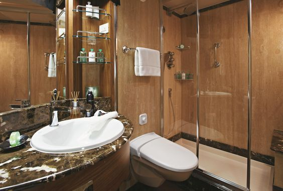 Silver Cloud Silversea Midship Veranda Suite Bathroom