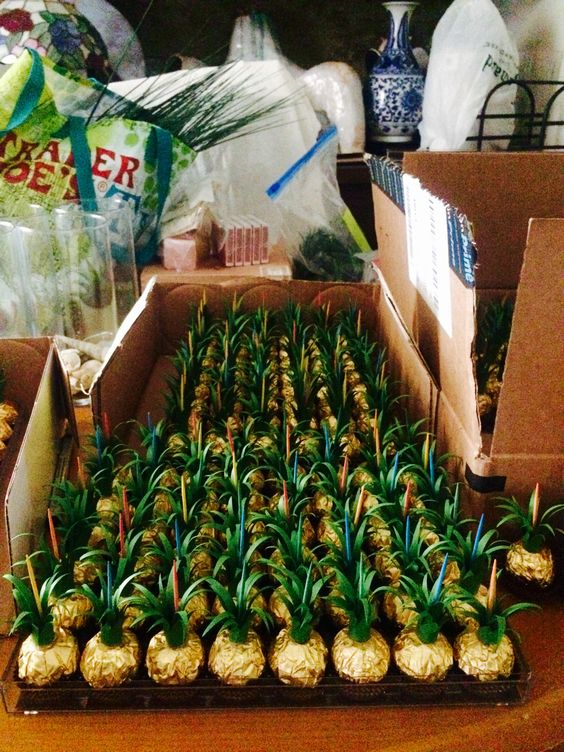 Behind The Scenes Look At Our Escort Cards To Fit Our Fun Hawaiian Theme Wedding Ferrero Rocher
