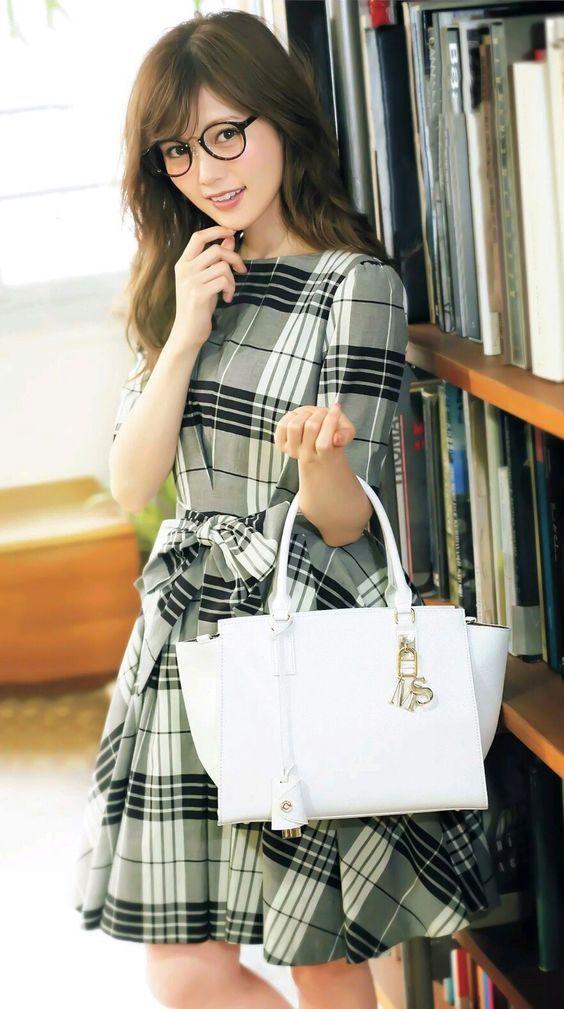 普段と違う雰囲気の白石麻衣さん