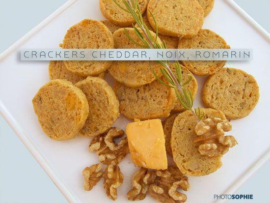 Crackers cheddar, noix, romarin