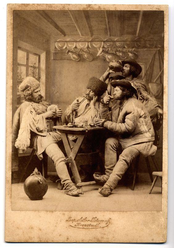 Russian emigres, photographer: Leopold Adler - Kronstadt (Brassó) ca: 1890s