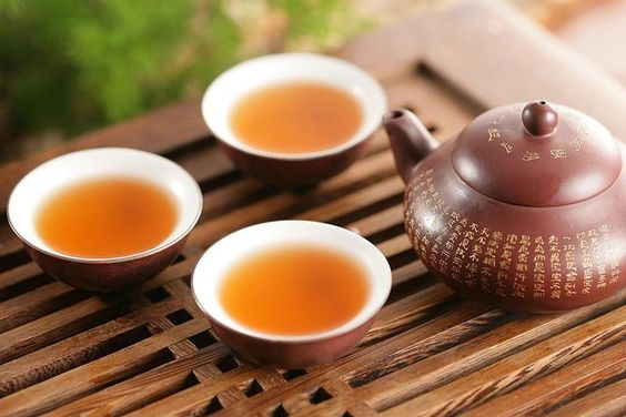 Thinking of Brewing Up Some Oolong Tea? Read This First