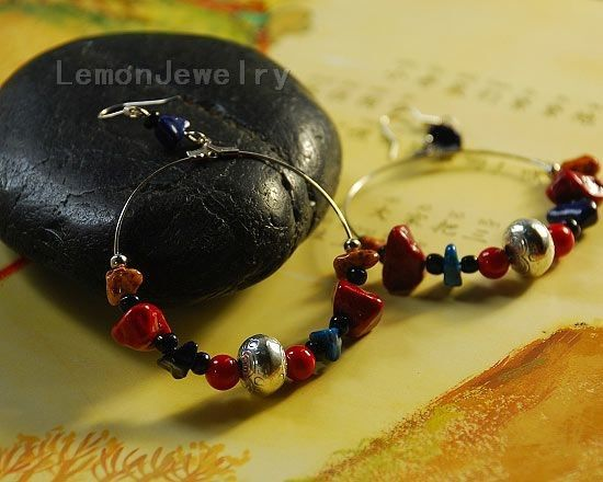 A colorful gravel Cangyin earringsMaterial: Natural Colorful gravel, alloy beads, Tibetan silver, anti-allergic ear hookSpecifications: Body length about 5cm (excluding ear hooks)Style: handmadeWeight:15g/$9.99