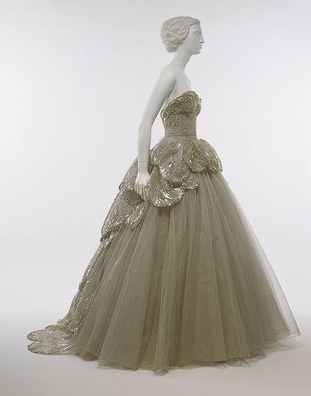 "Christian Dior (French, 1905–1957). ""Venus"" dress, 1949. The Metropolitan Museum of Art, New York. Gift of Mrs. Byron C. Foy, 1953 (C.I.53.40.7a-e)"