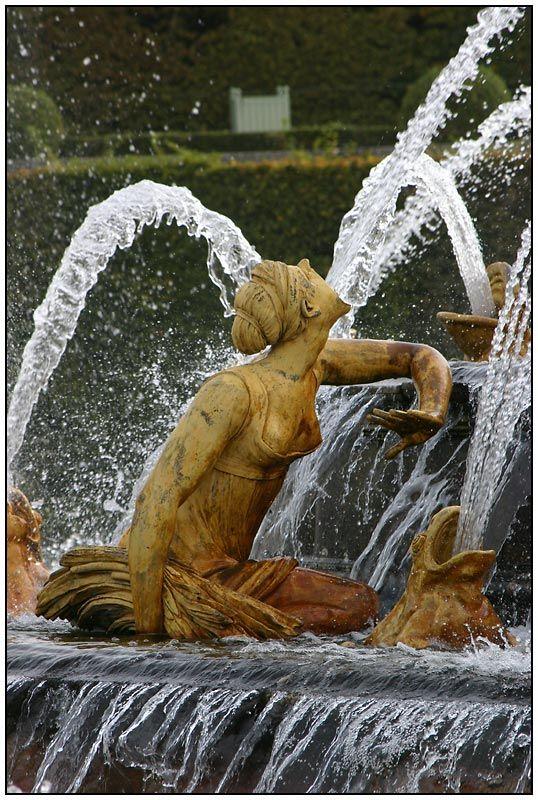 Versailles: Latonabrunnen (Detail) von Silvia Ulenberg