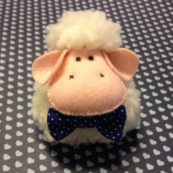 Kit Caixa + 12 Lembrancinhas Ovelha