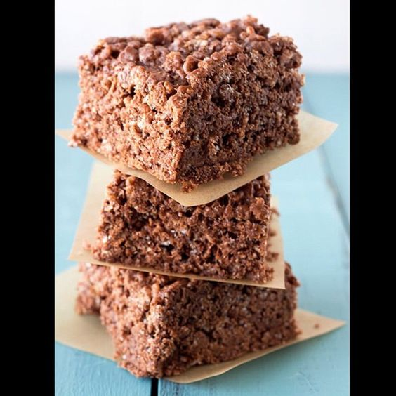 We're Nutella crazy at the moment. Nutella rice crispy treats at Sugar Bomb Cafe!