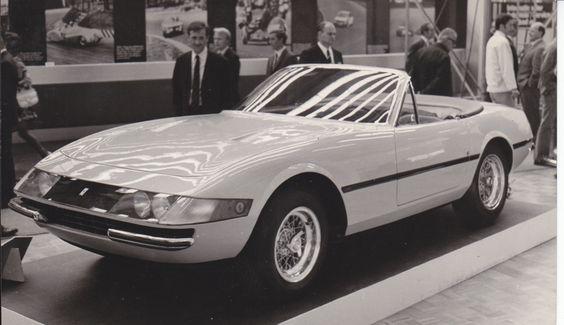 Ferrari 365 GTS/4 Convertible 1969 (Foto by Carrozzeria Pininfarina - Torino # 926)