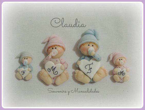 Bebés de diferentes tamaños para colocar su inicial .-