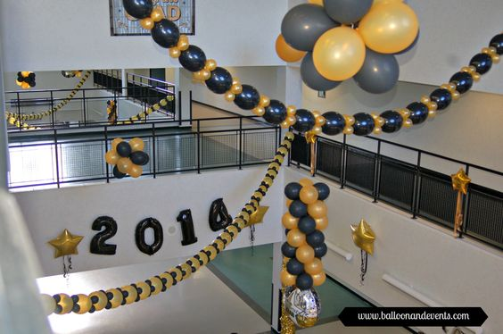 Graduation balloon decor balloons balloonandevents for Balloon decoration ideas for graduation