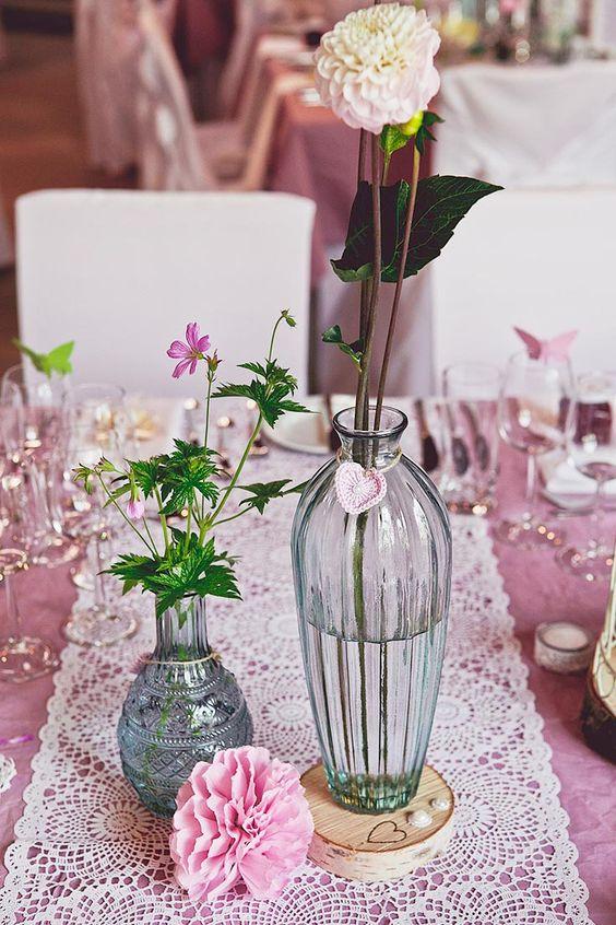 Pinke gecrashte tischdecke mit tischl ufer in wei und for Pinterest hochzeitsdeko
