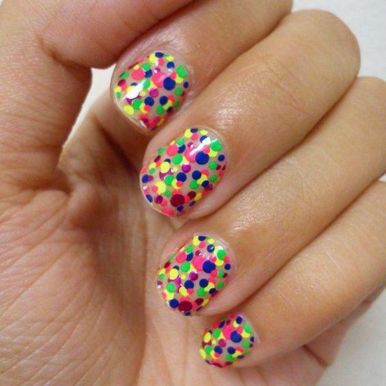 L'Oréal Paris UK : Going dotty for this manicure!