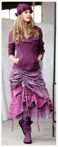 This is by far the cutest  purple outfit I have ever seen and I would so wear it!!! <3