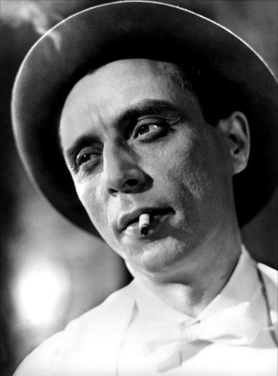 * Louis Jouvet dans Les Bas-fonds de Jean Renoir, 1936