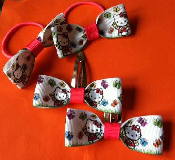 hello kitty matchin bobbles and clips x