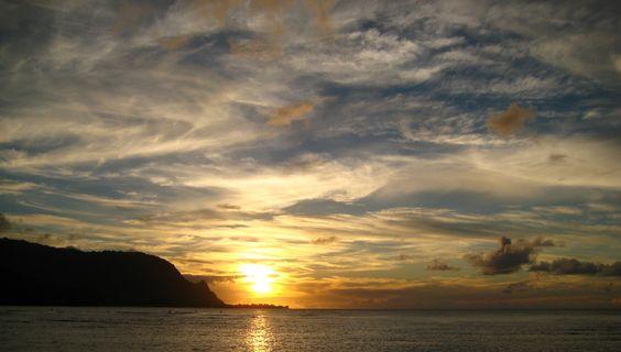 Kauai, Hanalei Bay, sunset.