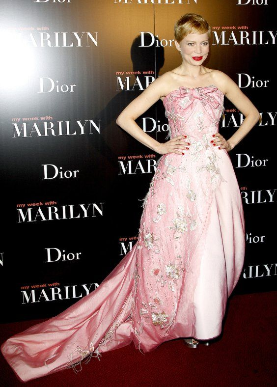 """Michelle Williams in Dior at the premiere of """"My Week With Marilyn"""""""