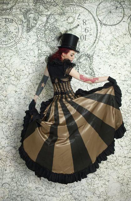Image détail du costume 'steampunk' réalisé par Lea Girod Piskiewicz aka Lady Decadence