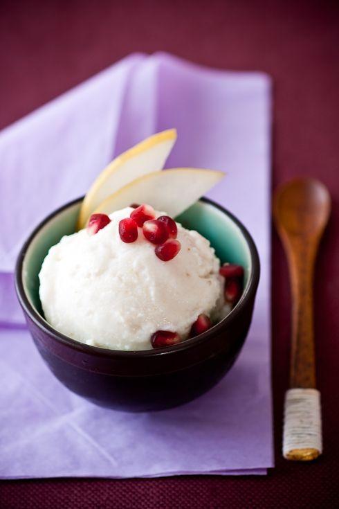 Asian Pear Frozen Yogurt http://www.tarteletteblog.com/2009/11/recipe-asian-pear-frozen-yogurt.html