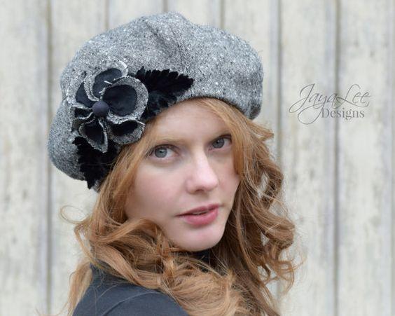 Français Beret Bonnet en Tweed noir et gris par GreenTrunkDesigns