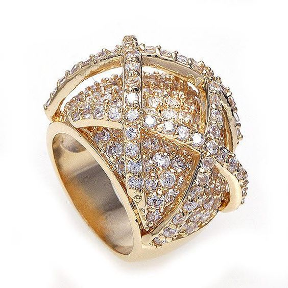 Beautiful Diamond Bands: Beautiful Diamond And Gold Ring