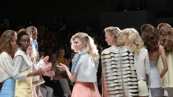 Leder, Seide & Unterwasseroptik bei Marina Hoermanseder, Berlin Fashion Week, SS 2015, www.waitamo.de #waitamobytanjanedwig