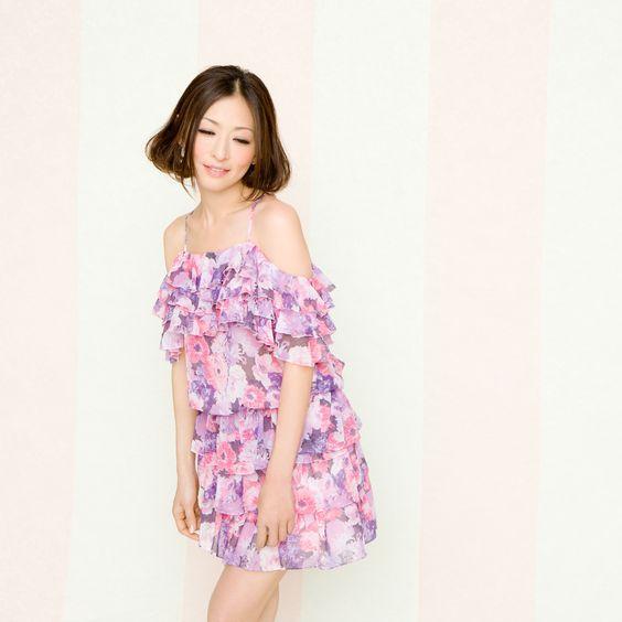 紫サロペの松雪泰子