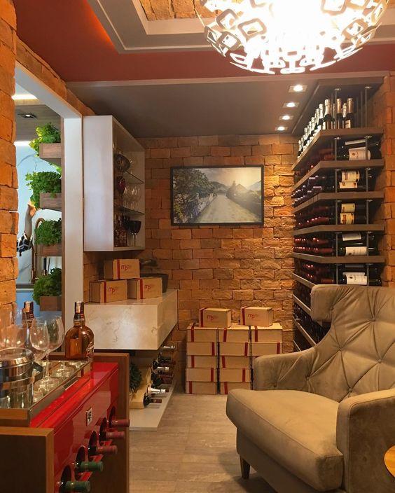 Outro ambiente muito gostoso e aconchegante na Casa Cor Paraíba é a Adega da Serra SNAP: Decoredecor Project: Danielle Mindelo Deise Porto  ARCHITECTURE | INTERIORS | ADEGA